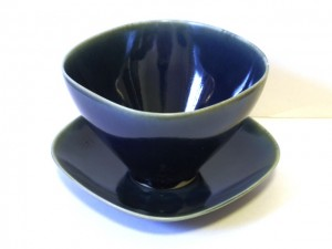 "Coffee Cup and Saucer (Navy) x2 ""Lotus"" in a Gift Box – MinoYaki –"