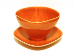 "Coffee Cup and Saucer (Red) x2 ""Lotus"" in a Gift Box – MinoYaki –"