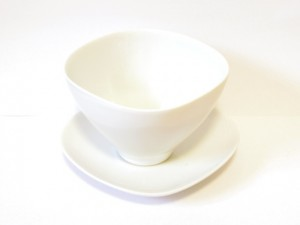 "Coffee Cup and Saucer (White) x2 ""Lotus"" in a Gift Box – MinoYaki –"